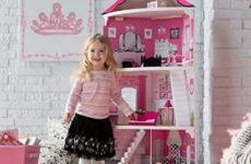 KidKraft Think Pink Corner Dollhouse Review